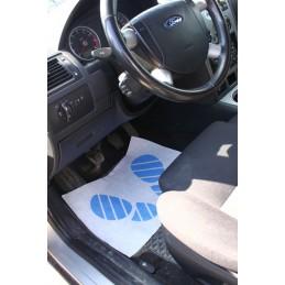 dywaniki-papierowe-do-auta